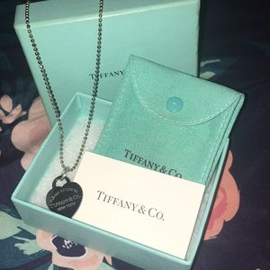 Authentic RATE Tiffany & Co Necklace
